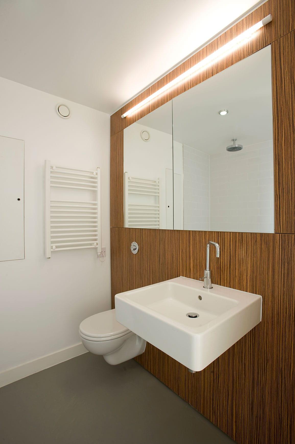 3 Towers Interior Toilet IPS