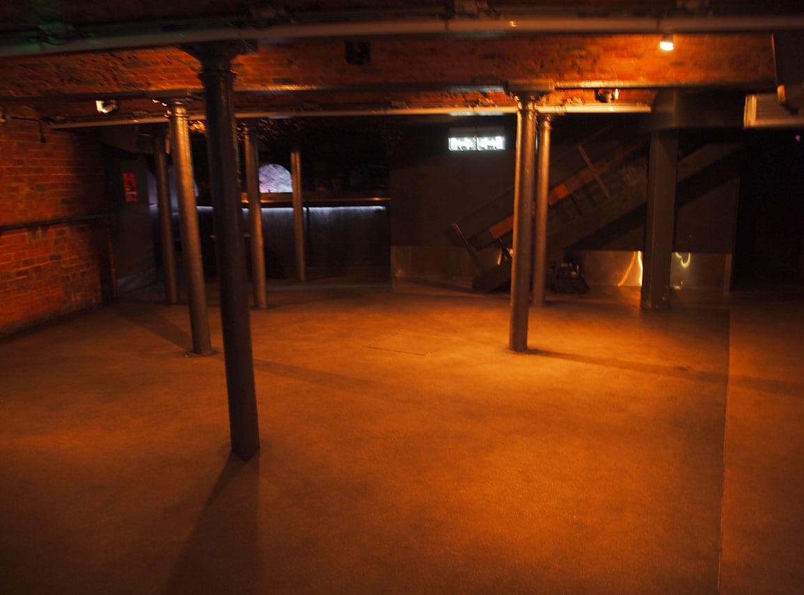 Wire Dancefloor Empty