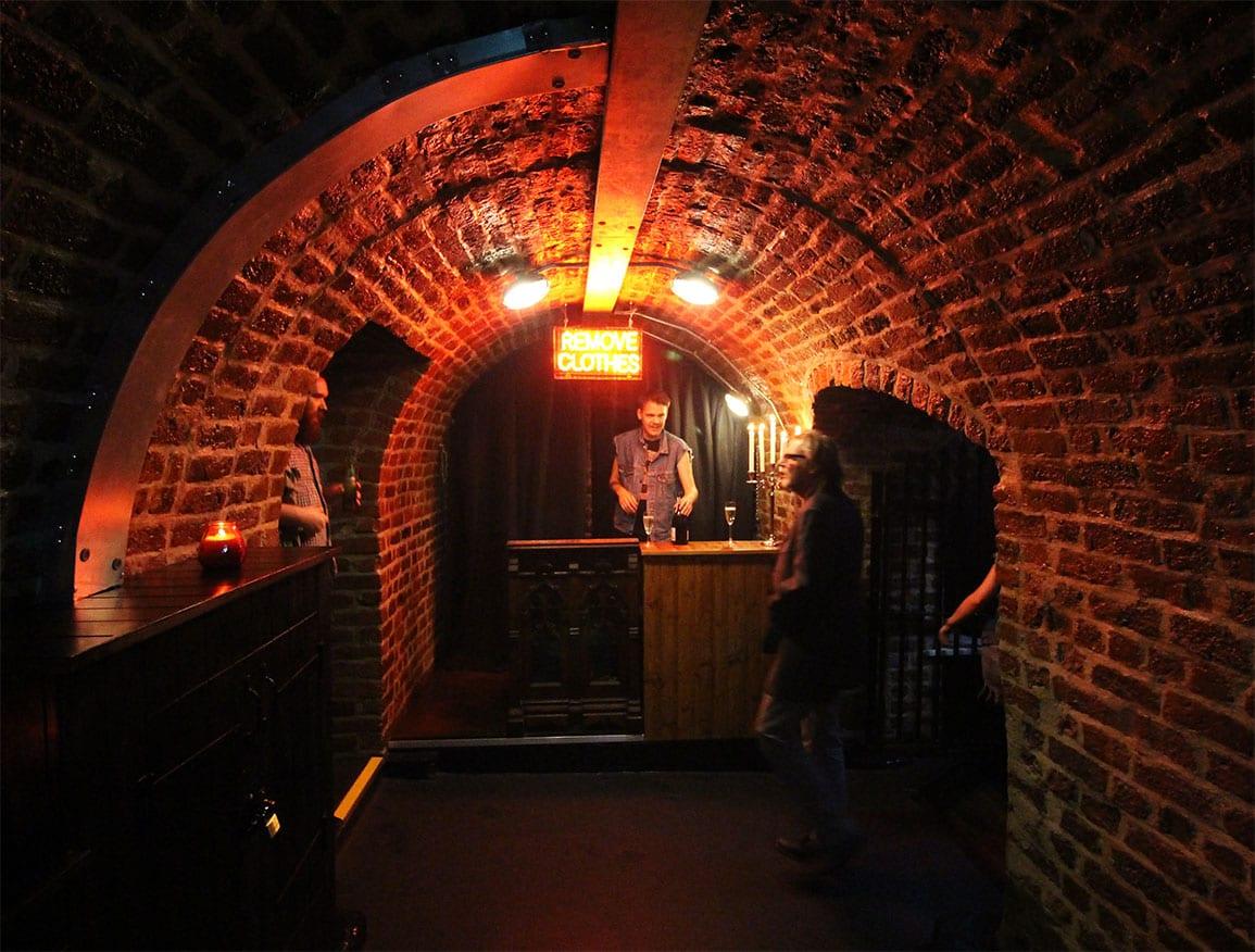 Architectural Emporium Heebie Jeebies EBGBS Cloakroom