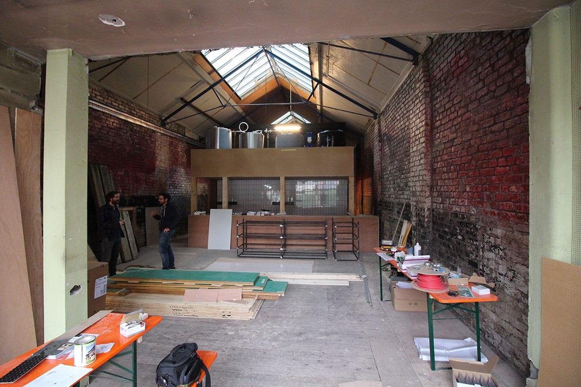 Handyman Brewery Gets Lifted onto the Mezzanine » AE