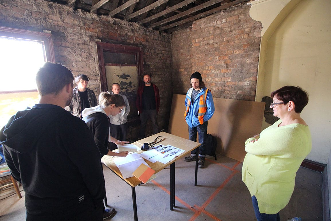 Consultation Young Trainees Training Architectural Emporium Developing Young PeopleConsultation Young Trainees Training Architectural Emporium Developing Young People