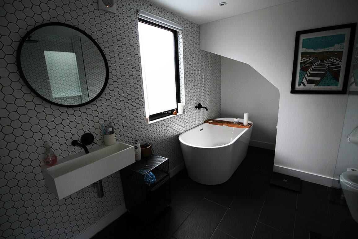 Heswall House Architectural Emporium en suite